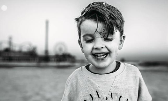 若い男の子の画像